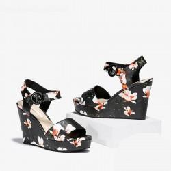 CHARLES & KEITH Sandal, Flowers Sandal