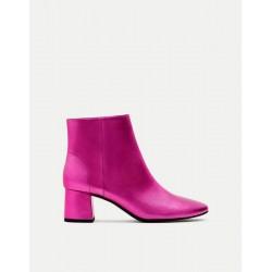 PULL&BEAR Boot, Short with Elastic Heel