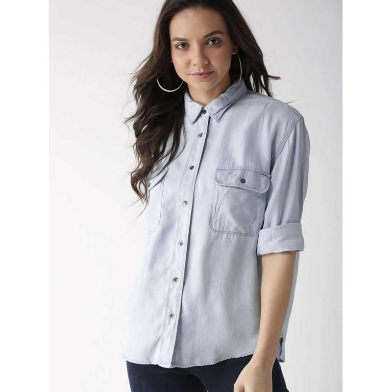 Levi's Shirt, boyfriend fit Shirt with Front Pocke...